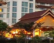 アラワンリバーサイドホテル