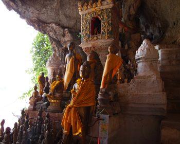 ルアンパバーン郊外・パクウー洞窟とクアンシーの滝観光