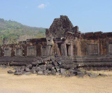 世界遺産ワットプー遺跡とカンボジア国境のシーパンドンを巡る2日間