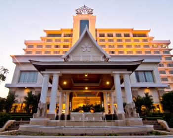 チャンパーサック・ グランド・ ホテル